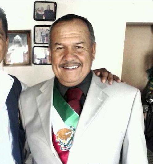 Alcalde con banda presidencial